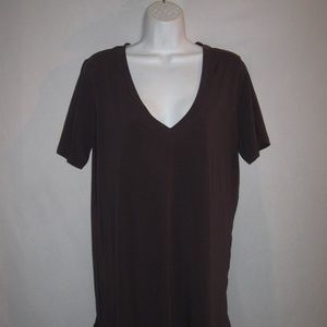 Lululemon V-Neck T Shirt L